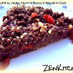 Sbriciolata al cacao, frutti di bosco e bacche di goji