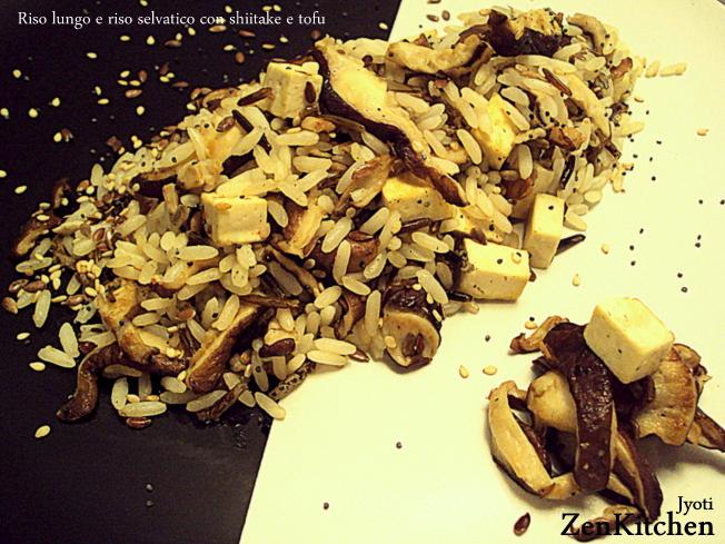 Riso lungo e riso selvatico con shitake e tofu