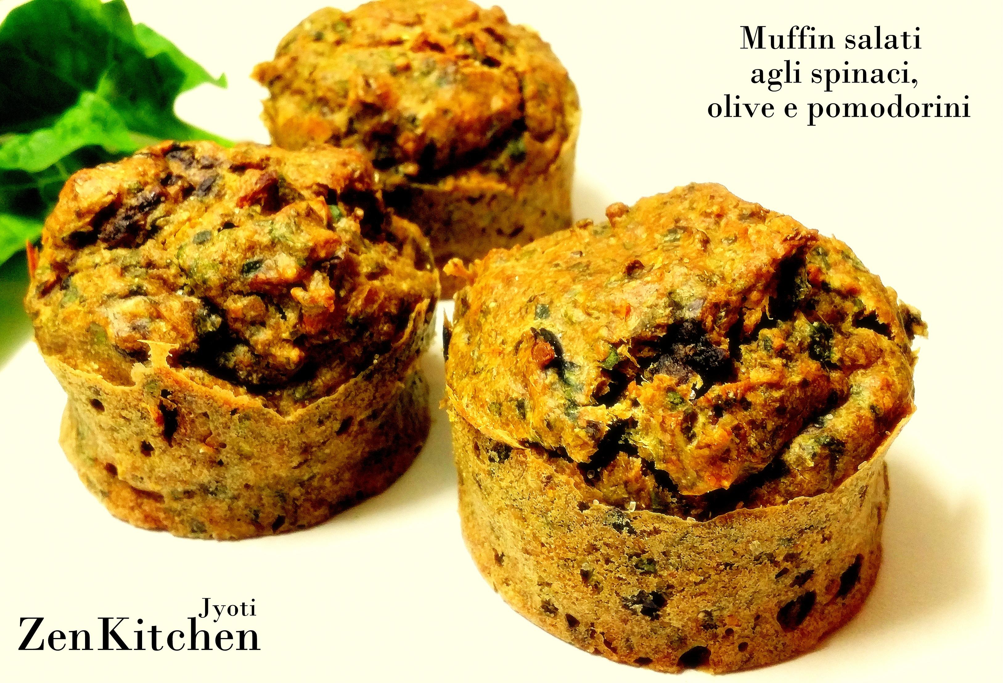 Muffin salati integrali agli spinaci con olive e pomodorini