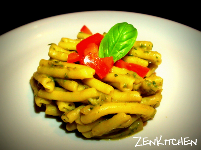 Pasta al pesto di avocado